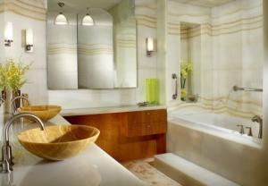 Ναύπλιο: Γυμνή, αιμόφυρτη γυναίκα σε μπανιέρα ξενοδοχείου – Λύθηκε το μυστήριο λίγες ώρες αργότερα!