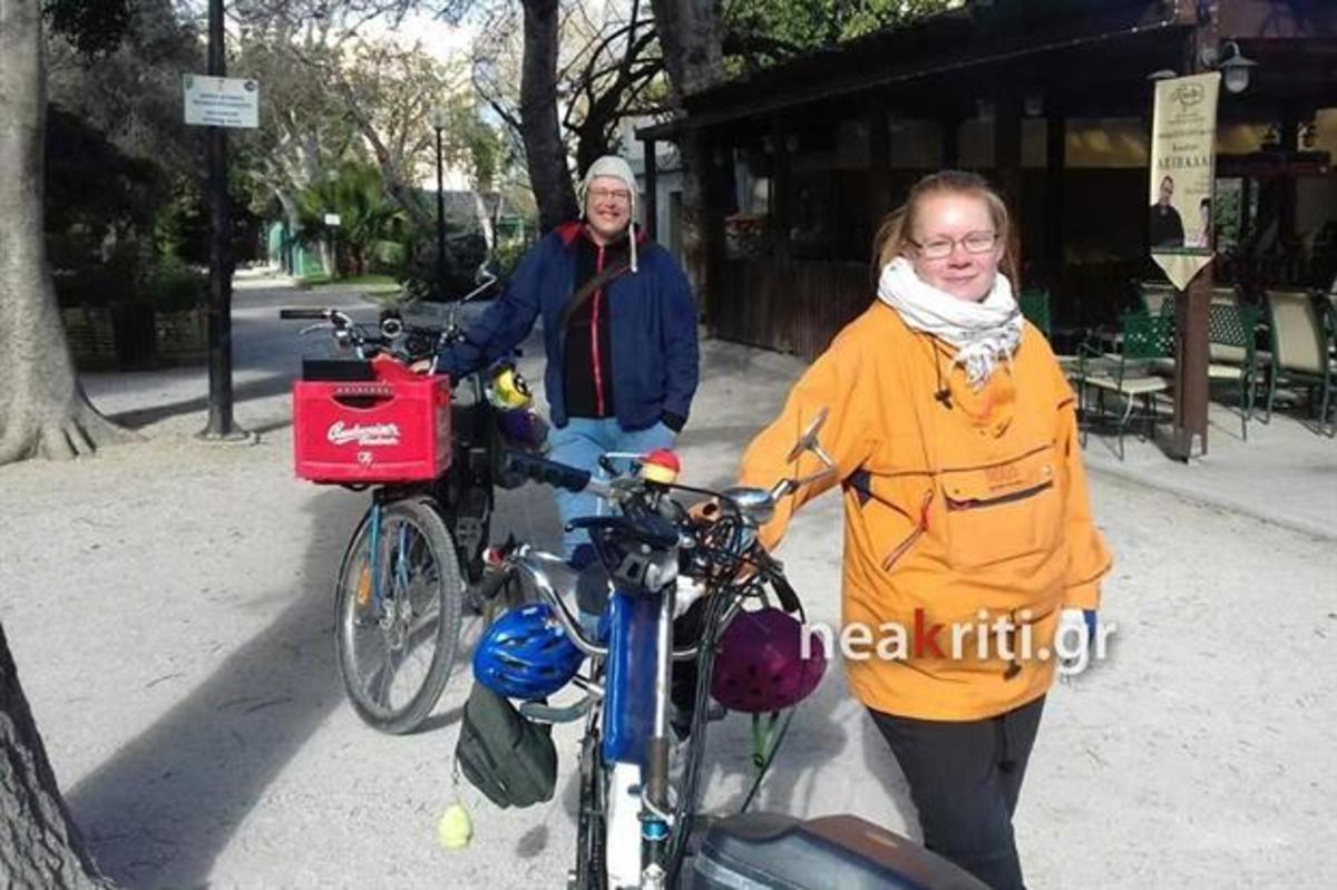 Χανιά: Διέσχισαν την Ευρώπη με ποδήλατα και έφτασαν στην Κρήτη – Η οικογένεια με τα 3 ανήλικα παιδιά [pic]