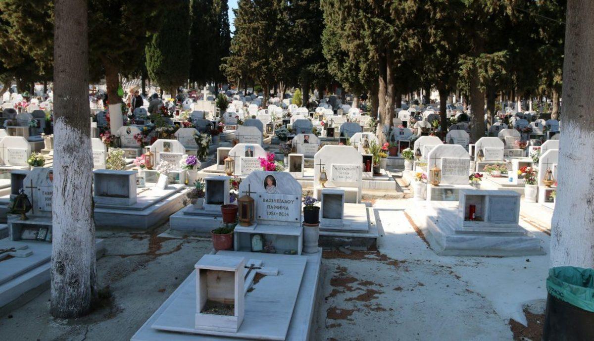 """Αδίστακτη σπείρα """"ξάφριζε""""… νεκροταφεία – Έκλεβαν καντηλάκια και σταυρούς από τους τάφους!"""