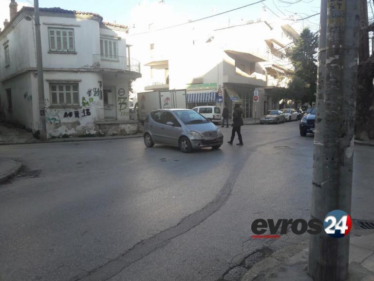 """Αλεξανδρούπολη: Το τερμάτισε και """"κούφανε"""" οδηγούς και περαστικούς – Η απίθανη εικόνα στον δρόμο [pics]"""