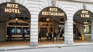 """Στο """"σφυρί"""" 3.500 παλιά έπιπλα του ξενοδοχείου Ritz"""