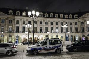 Κουκουλοφόροι με τσεκούρια λήστεψαν το Ritz – Κινηματογραφική ληστεία στο Παρίσι