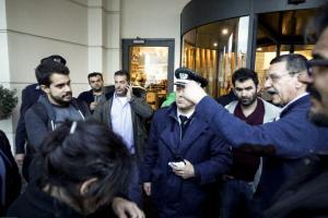 """Παρέμβαση εργαζομένων """"Στο Κόκκινο"""" στην Κεντρική Επιτροπή του ΣΥΡΙΖΑ"""