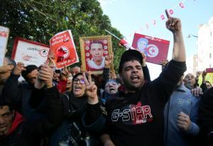 Νέες αναταραχές στην Τυνησία – Συγκρούσεις αστυνομίας και διαδηλωτών [pics]