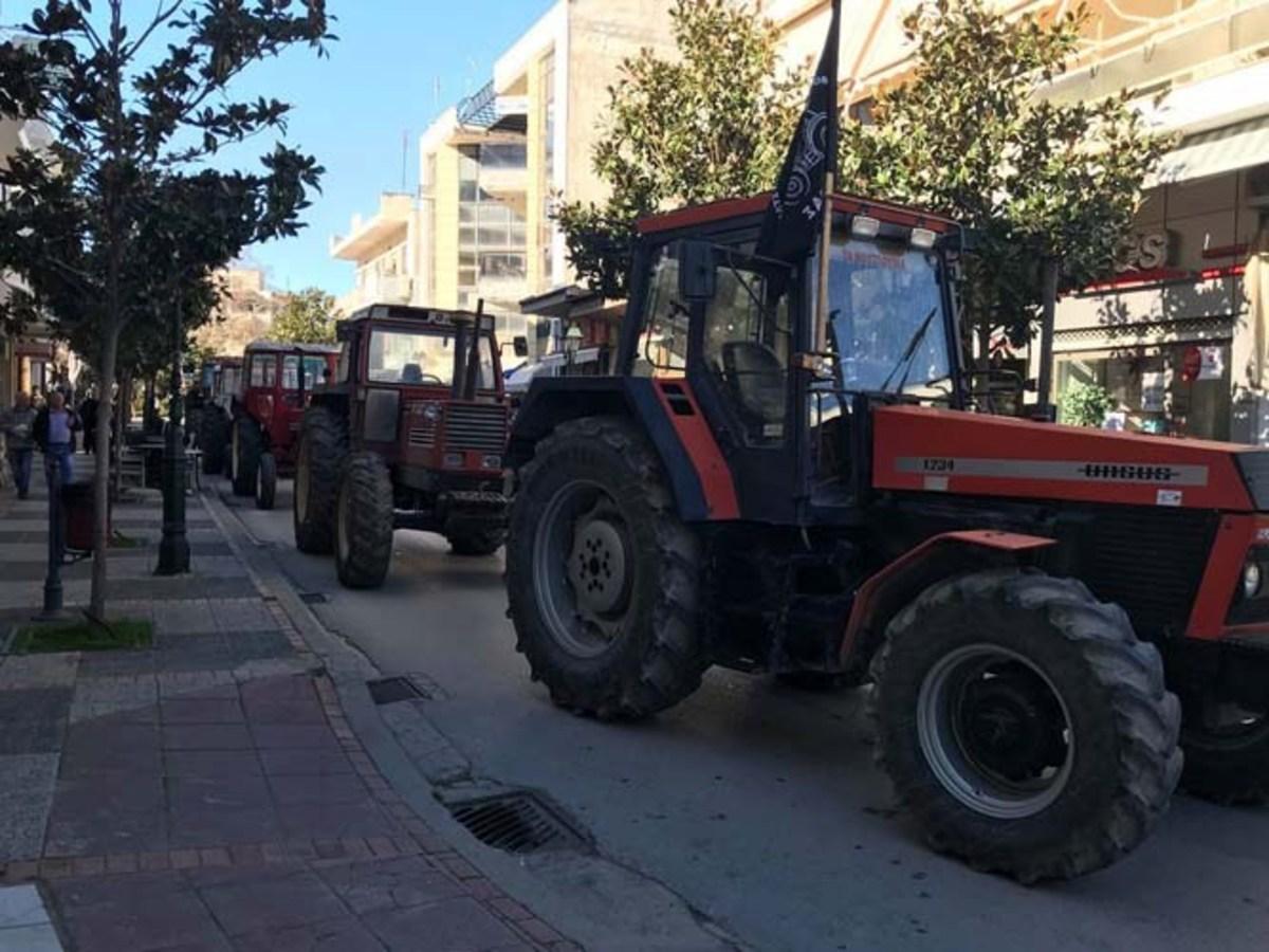 """Φάρσαλα: Στους δρόμους τα τρακτέρ των αγροτών – """"Να παλέψουμε όλοι ενάντια στα μέτρα"""" [pics]"""