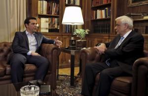 Σκοπιανό: Βλέπει Παυλόπουλο σήμερα ο Τσίπρας – Σε ηλεκτρισμένο κλίμα οι συναντήσεις αύριο με τους πολιτικούς αρχηγούς