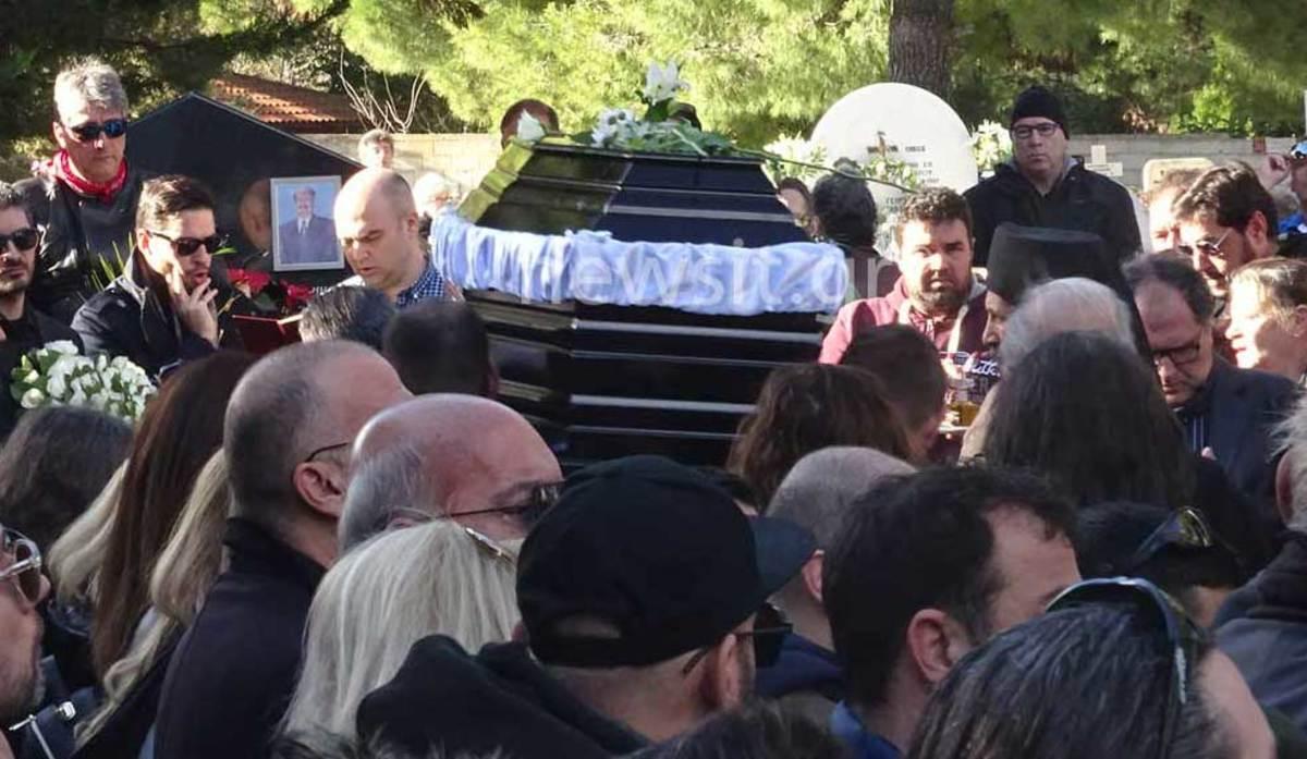 Τελευταίο αντίο στον Τζίμη Πανούση