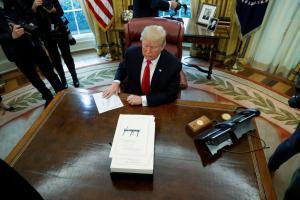 Τραμπ: Κινητά τέλος στην δυτική πτέρυγα του Λευκού Οίκου