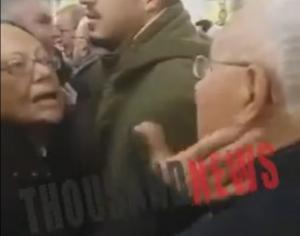 """Θεσσαλονίκη: Το """"χάδι"""" της γυναίκας στο μάγουλο του Κώστα Ζουράρι – Ο έντονος διάλογος στην εκκλησία [vid]"""