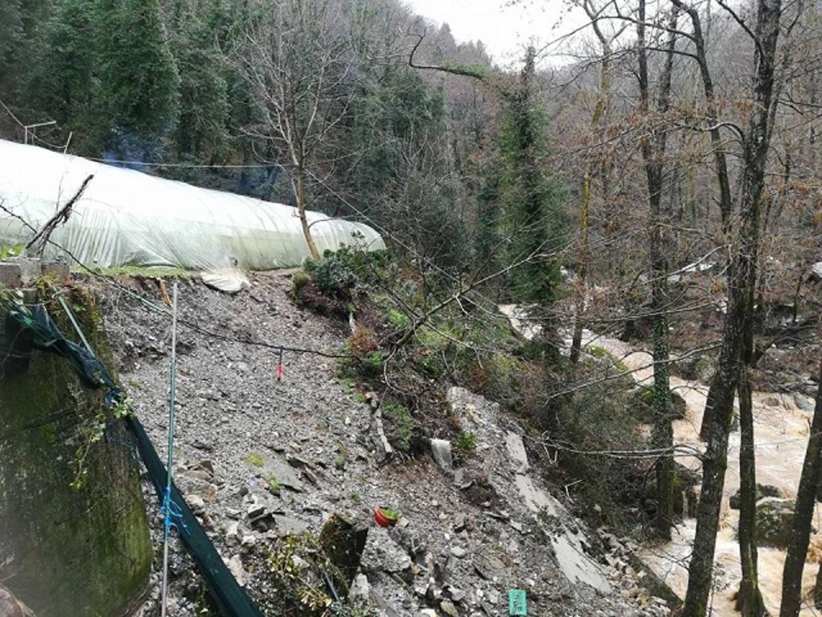 Πήλιο: Καταρρέουν πλαγιές σαν λάβα – Αποκλεισμένα χωριά πίσω από τις αποκαλυπτικές εικόνες καταστροφής [pics]