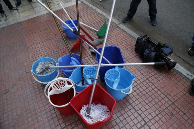 Θεσσαλονίκη: 24ωρη πανελλαδική απεργία από τους συμβασιούχους εργαζόμενους στην καθαριότητα των δημόσιων σχολείων