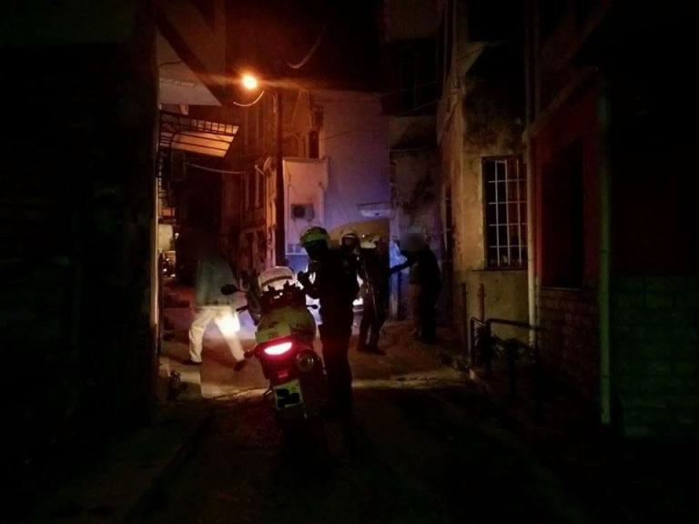 Μυτιλήνη: Ο κλέφτης περικυκλώθηκε – Ένταση με ύβρεις και ζημιές στην αγορά της πόλης [pic]
