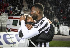 ΠΑΟΚ: Ο Bαρέλα έκλαψε στην αγκαλιά του γιου του [pics]