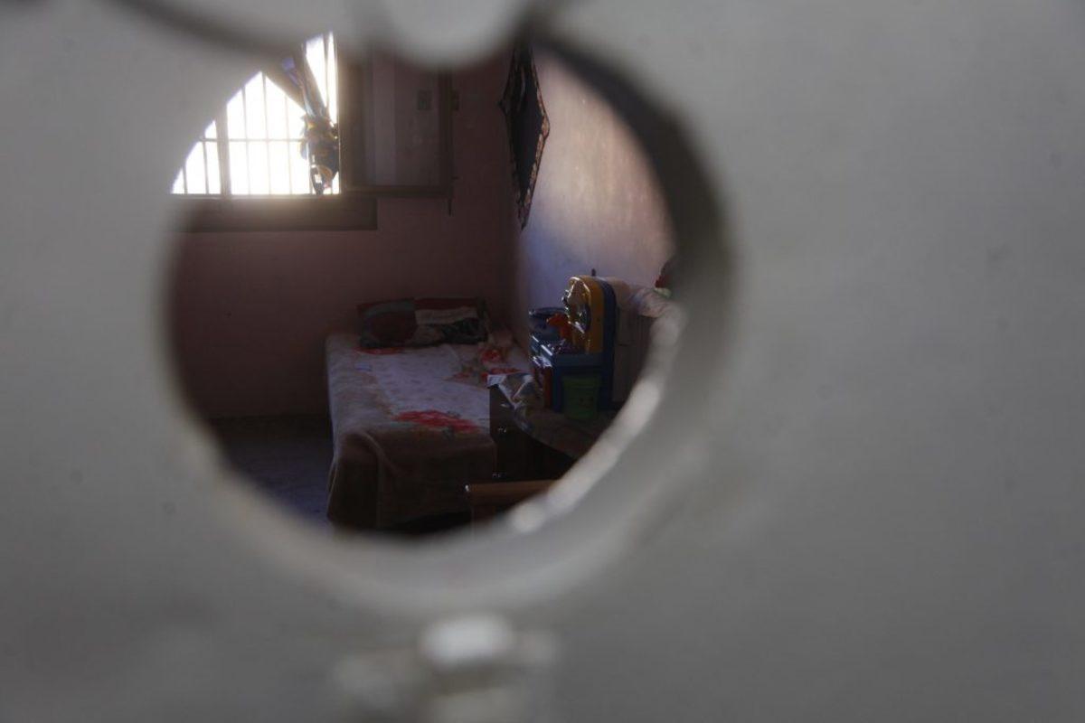 Προτίμησε τη φυλακή! Καταζητούμενος παραδόθηκε για να γλιτώσει τους καβγάδες με τη φίλη του