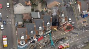 Η στιγμή της φονικής έκρηξης στο Λέστερ: 5 οι νεκροί – Ψάχνουν επιζώντες στα συντρίμμια [vid]