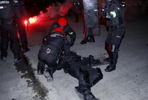 Νεκρός αστυνομικός από επεισόδια με Ρώσους οπαδούς στο Μπιλμπάο [vids]