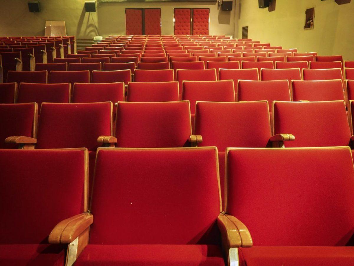 Συμμορία διαρρηκτών «χτυπάει» θέατρα στην Αθήνα