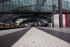 Άκυρος ο συναγερμός στο Βερολίνο – Άνοιξε ξανά ο σταθμός των τρένων