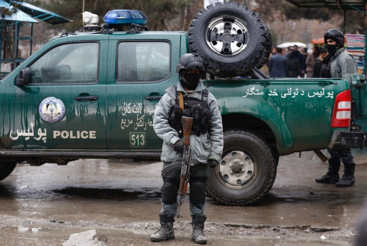 Αίμα και τρόμος στο Αφγανιστάν: Επίθεση βομβιστή καμικάζι κοντά σε συνοικία με πρεσβείες