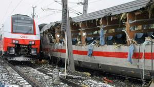 Αυστρία: Σύγκρουση δυο τρένων – Μία γυναίκα νεκρή και 22 τραυματίες