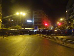 Συγκεντρώσεις στην Αθήνα: Αντιεξουσιαστές στη Ρηγίλλης, χρυσαυγίτες στη Μεσογείων [pics]