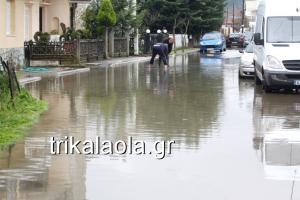 Τρίκαλα: Μάχες στα λασπόνερα της κακοκαιρίας – Πλημμύρες σε γειτονιές – Δέος από τις εικόνες του Ληθαίου ποταμού [pics, vid]