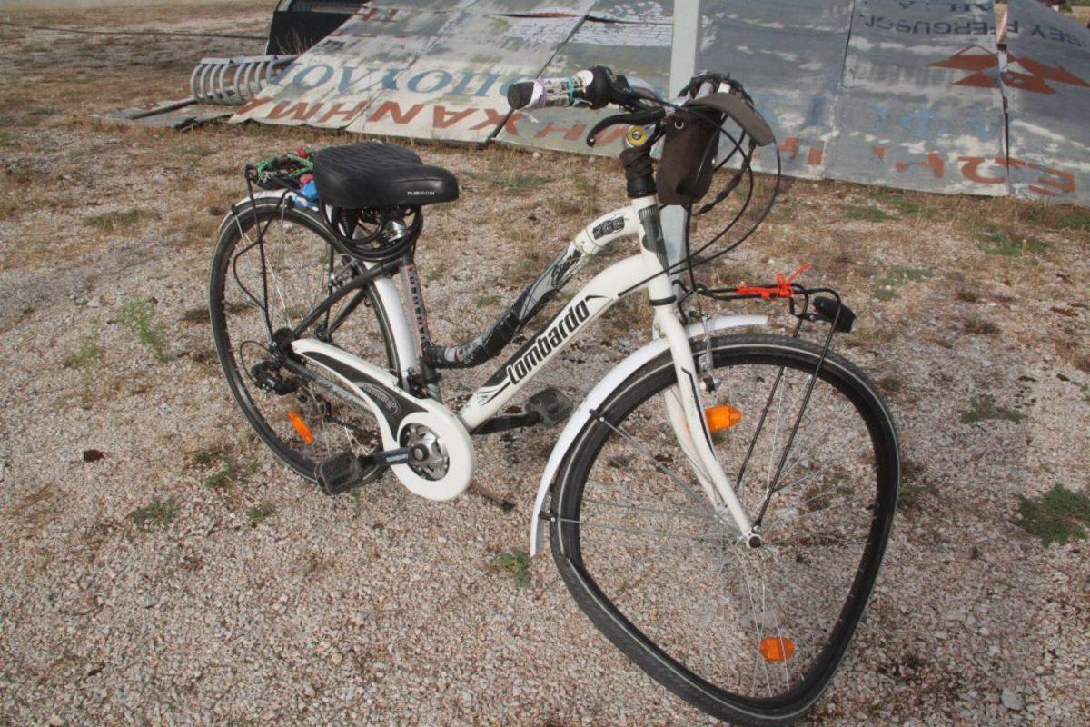 Εύβοια: Αυτοκίνητο παρέσυρε 10χρονη που οδηγούσε ποδήλατο – Τα νεότερα για τον τραυματισμό της