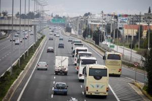 Συλλαλητήριο Αθήνα: Με πούλμαν, τρένα, αεροπλάνα και… βαπόρια, όλοι στο Σύνταγμα! [pics, vids]