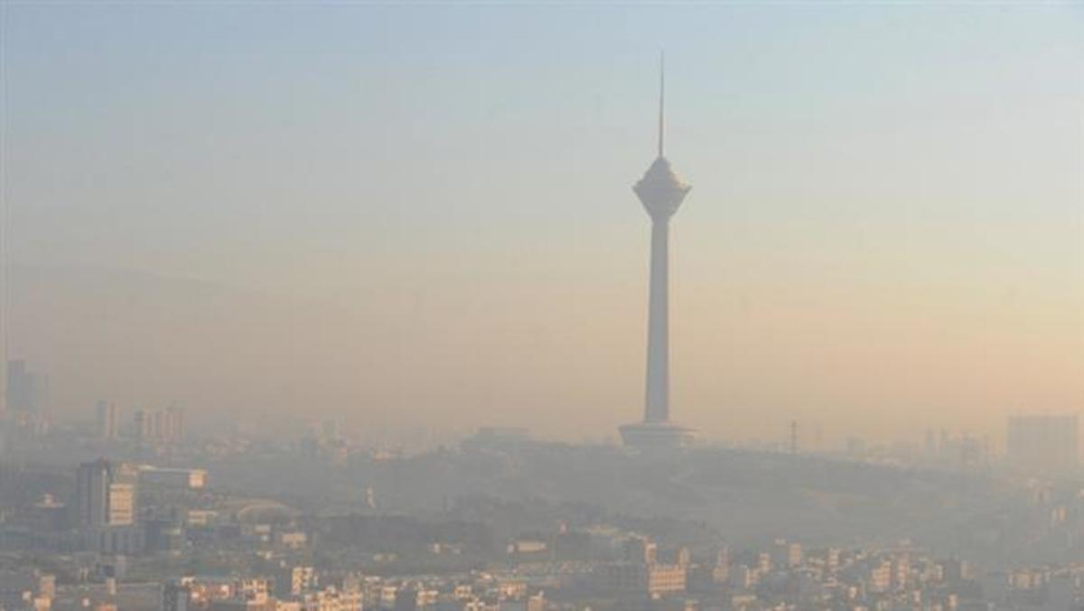 """Ιράν: """"Πνίγεται"""" στο νέφος η Τεχεράνη – Κλειστά όλα τα σχολεία και περιορισμός στην κυκλοφορία"""