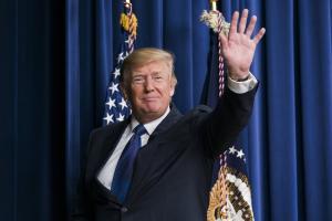 """Επιμένει ο Τραμπ: """"Πρέπει να χτίσουμε το τείχος στο Μεξικό"""""""
