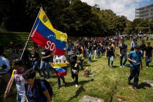 Βενεζουέλα: Μετατέθηκαν για τον Μάιο οι εκλογές – Συμφωνία Μαδούρο – αντιπολίτευσης