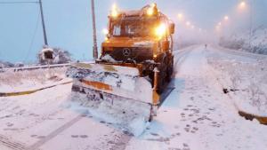 """Νέα """"επέλαση"""" του χιονιά σε Φθιώτιδα και Ευρυτανία – Που χρειάζονται αντιολισθητικές αλυσίδες [vid]"""