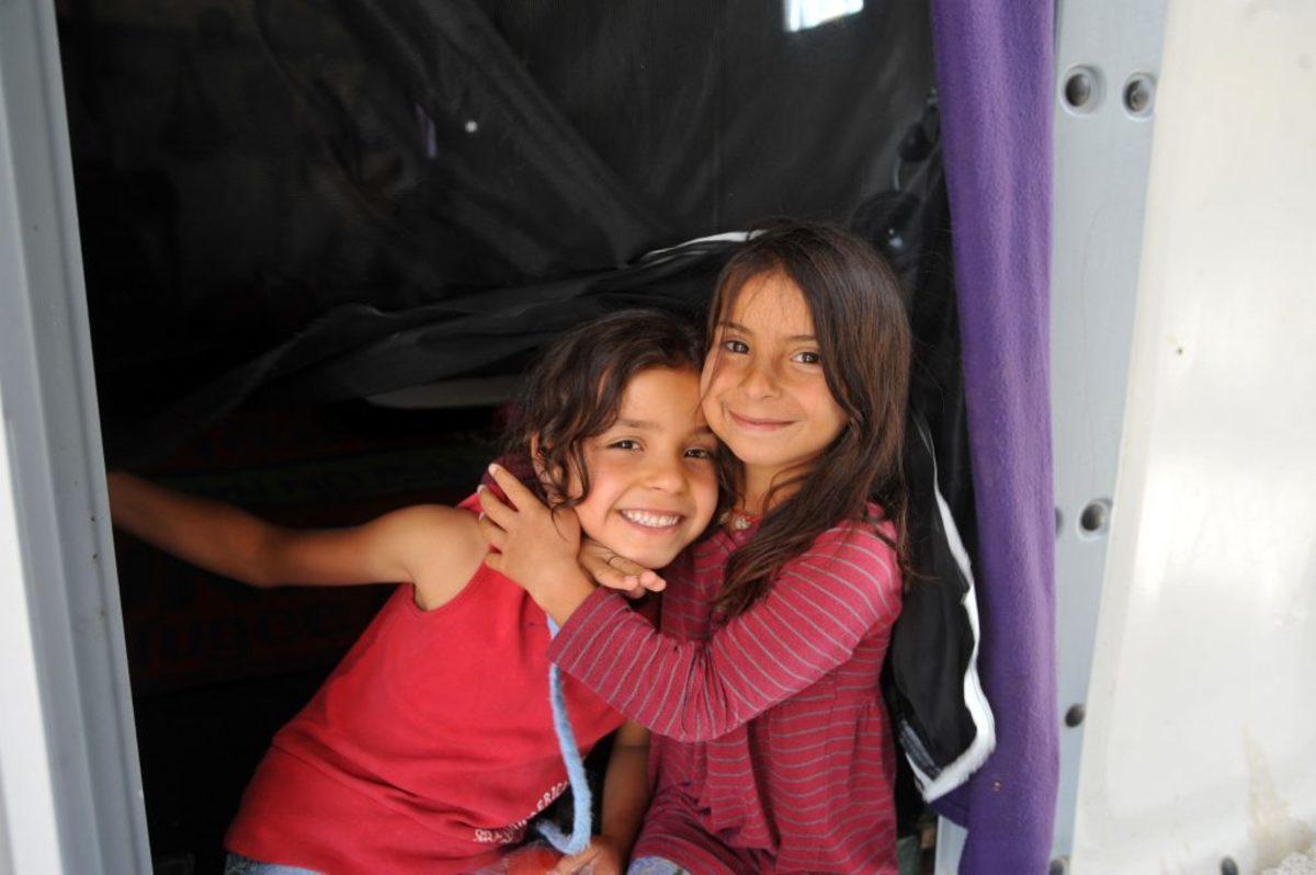 Λέσβος: Νηπιαγωγείο για προσφυγόπουλα μέσα στον καταυλισμό του Καρά Τεπέ