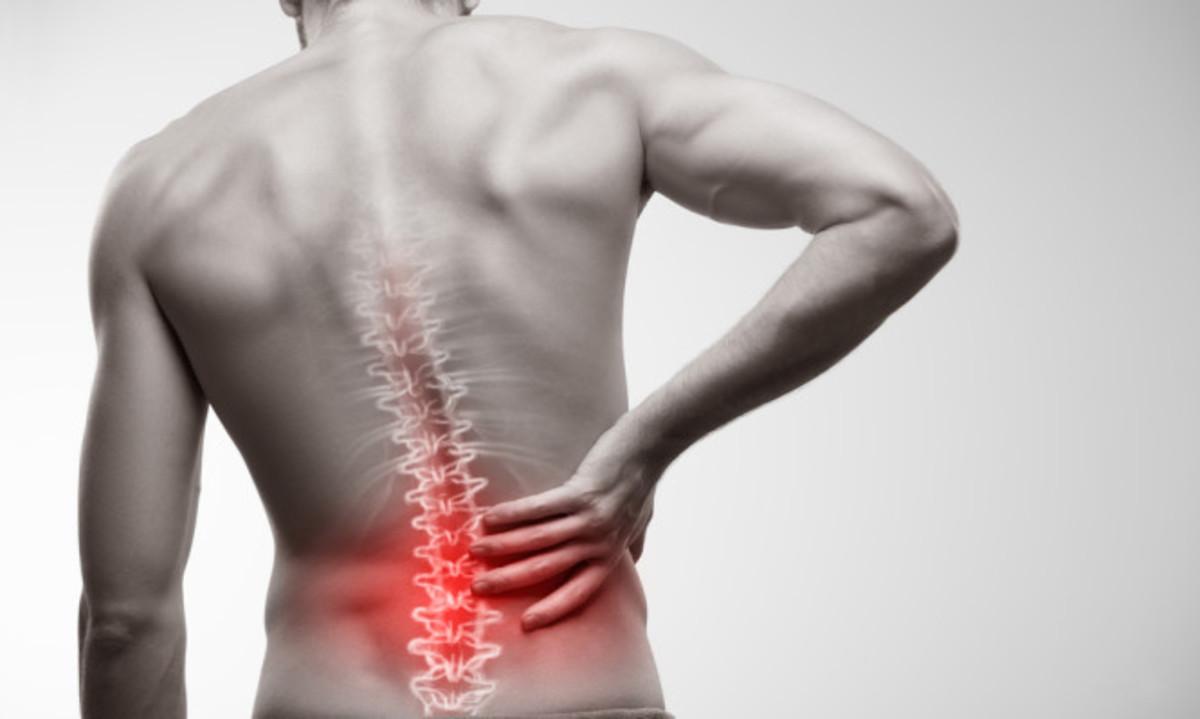 Πόνος στην μέση: Ποιες κινήσεις θα σας ανακουφίσουν
