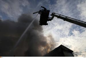 Μεγάλη φωτιά σε εργοστάσιο πέλετ στη Λιβαδειά