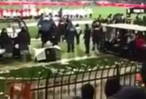 """ΠΑΟΚ – Ολυμπιακός: Βίντεο – ντοκουμέντο από την Τούμπα! Η στιγμή της """"ρίψης"""""""