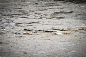 Έβρεξε προβλήματα: Εγκλωβίστηκαν οδηγοί στην Κατερίνη – Έκλεισε δρόμος στη Χαλκιδική