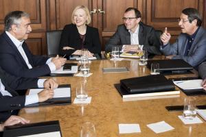 """Αναστασιάδης – Ακιντζί θα έχουν… """"κοινωνική"""" συνάντηση στις 16 Απριλίου"""
