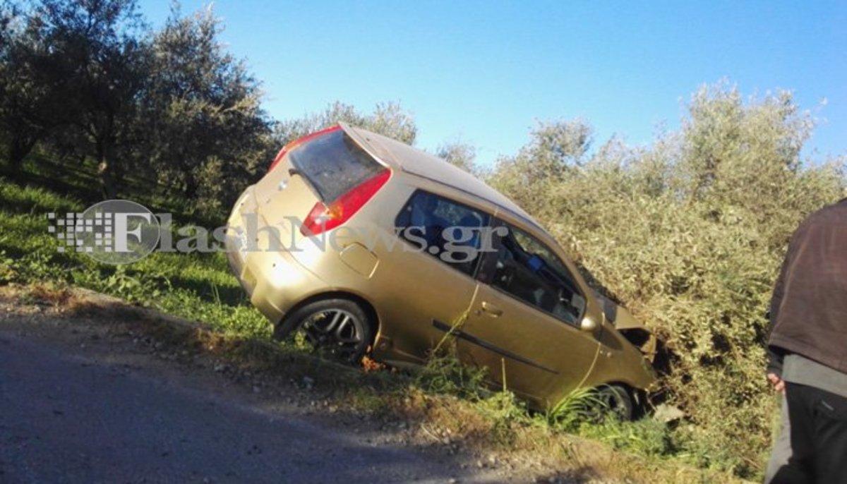 """Χανιά: Αυτοκίνητο """"καρφώθηκε"""" σε ελιά! Ένας τραυματίας [pics]"""