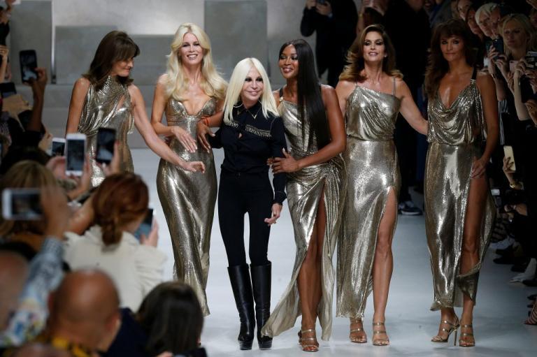 Καλώς τους κι ας άργησαν! Τέλος η αληθινή γούνα για Versace και Furla