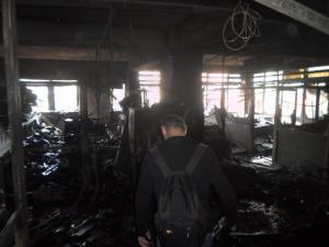 Εικόνες απόλυτης καταστροφής – Μέσα στην καμένη εφορία στη Λάρισα [pics]
