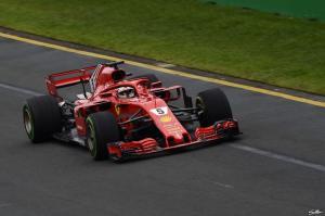 "Formula 1: Ο Φέτελ ""έκλεψε"" τη νίκη από τον Χάμιλτον [vid, pics]"