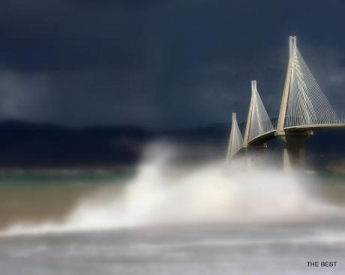 Καιρός: Χαμένη στα μποφόρ η γέφυρα Ρίου Αντιρρίου – Εντυπωσιακές εικόνες από το σημείο [pics]