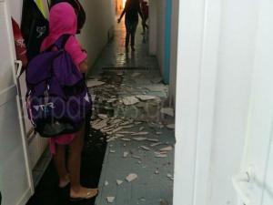 Χανιά: Πανικός στο κολυμβητήριο! Κατέρρευσε τμήμα της οροφής ενώ ήταν γεμάτο παιδιά [pics]