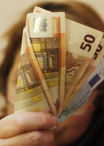 612.000 άτομα θα λάβουν το Κοινωνικό Εισόδημα Αλληλεγγύης τον Μάιο