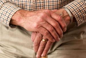 ΟΠΕΚΑ προνοιακά επιδόματα σε άτομα με αναπηρία: Τα 50 κέντρα που δέχονται αιτήσεις