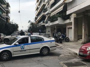 Συναγερμός στην ΕΛ.ΑΣ.! Βρήκαν ενεργές χειροβομβίδες σε δρόμο στο Παγκράτι