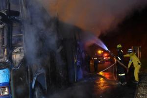 Πήρε φωτιά το λεωφορείο εν κινήσει – Τραγωδία με 20 νεκρούς στην Ταϊλάνδη [pics]