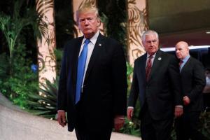 Ο Τραμπ έδιωξε και τον ΜακΜάστερ! Νέος σύμβουλος ασφαλείας στο Λευκό Οίκο