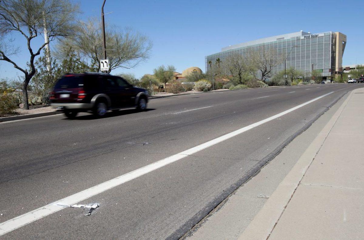 Αιματηρό ξεκίνημα για αυτόνομο όχημα της Uber – Περάσυρε πεζή και την σκότωσε